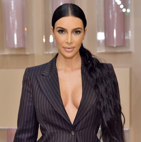 Kiếm bạc tỷ dễ như Kim Kardashian: Đăng 1 bài lên Instagram, mua được cả siêu xe 16 tỷ - Ảnh 2.