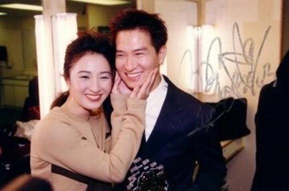 Chuyện tình yêu 30 năm tan - hợp của Trương Gia Huy - Quan Vịnh Hà: Phụ nữ có thể hy sinh mọi thứ, miễn là cho người xứng đáng - Ảnh 4.