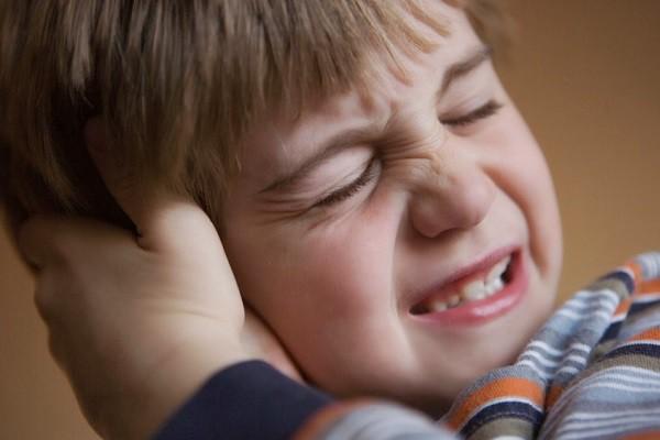 Đừng chủ quan: Có thể chảy máu mũi ồ ạt, điếc tai chỉ vì... xì mũi quá mạnh - Ảnh 3.