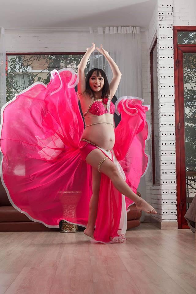 Mẹ Sài Gòn mang bầu tháng thứ 9 vẫn nhảy belly dance cực sung, sau sinh mổ chỉ 1 ngày đã đi lại nhẹ nhàng - Ảnh 5.