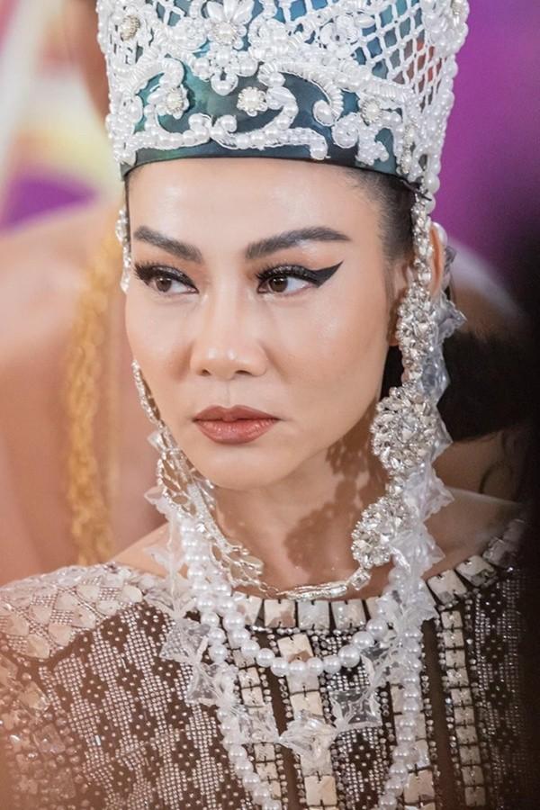 Phớt lờ phản ứng của Tùng Dương về danh xưng Diva, Thu Minh bất ngờ hành động thế này  - Ảnh 3.