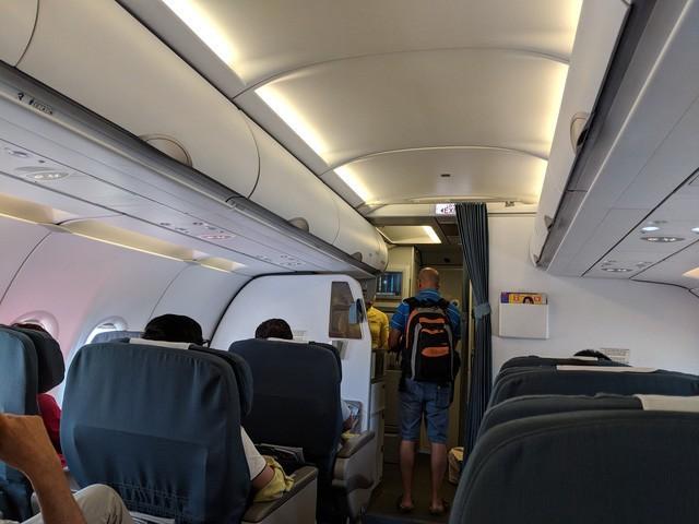 Người sử dụng rượu sẽ không được lên máy bay kể từ ngày 1-6-2019 - Ảnh 1.