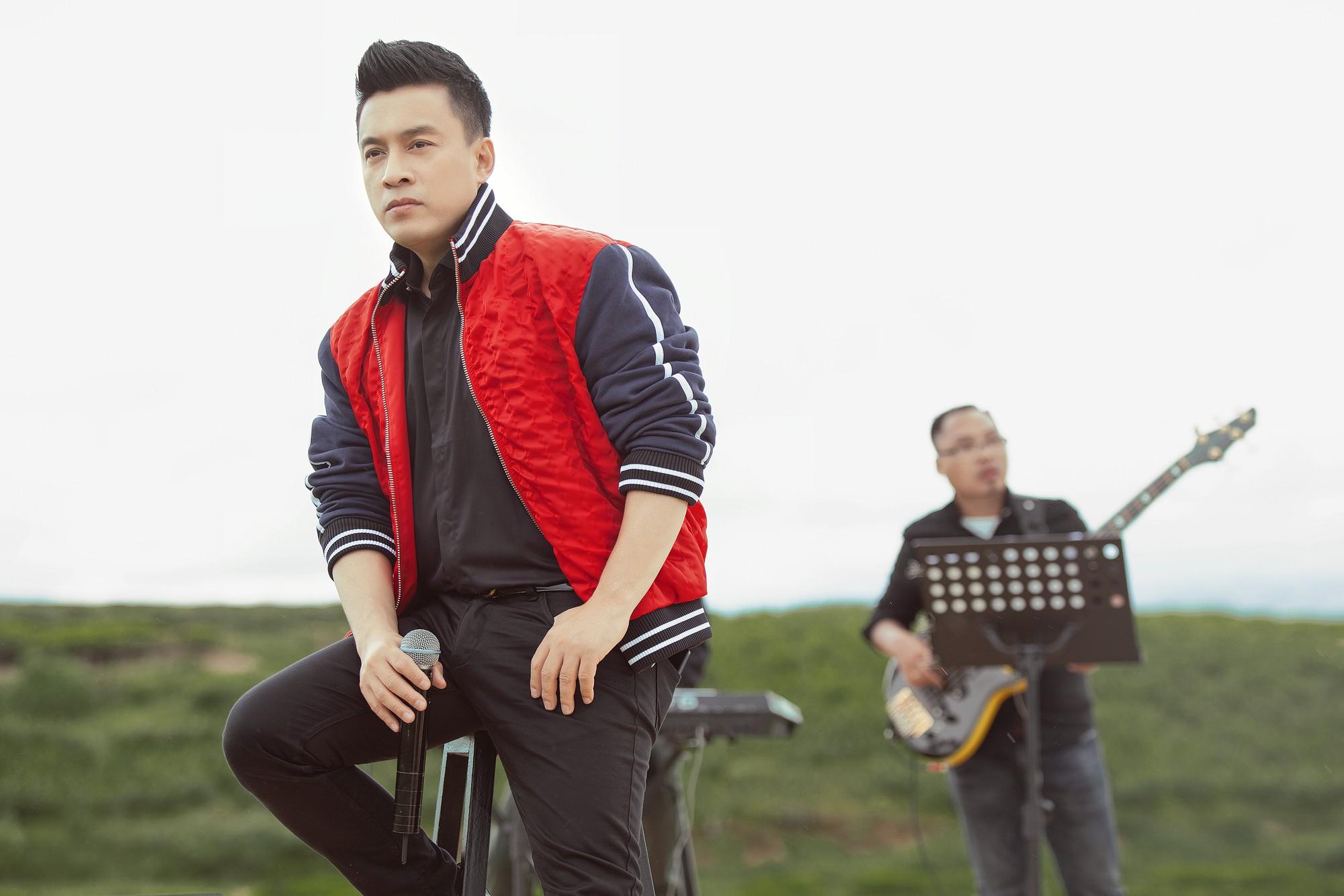 """Tái hiện lại hit 20 năm trước, Lam Trường vẫn xứng danh """"tình đầu quốc dân"""" vì giọng hát đốn tim - Ảnh 7."""