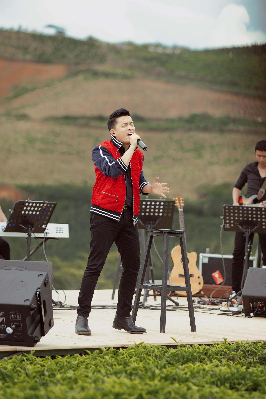 """Tái hiện lại hit 20 năm trước, Lam Trường vẫn xứng danh """"tình đầu quốc dân"""" vì giọng hát đốn tim - Ảnh 6."""