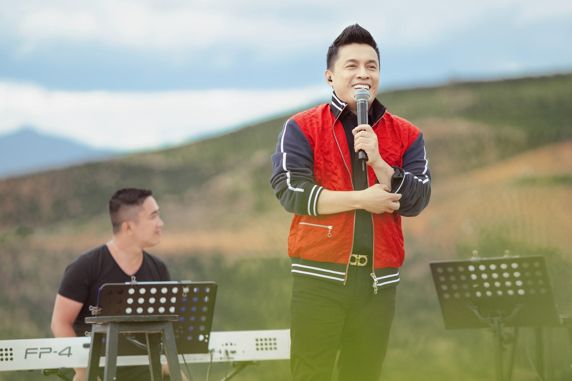 """Tái hiện lại hit 20 năm trước, Lam Trường vẫn xứng danh """"tình đầu quốc dân"""" vì giọng hát đốn tim - Ảnh 3."""