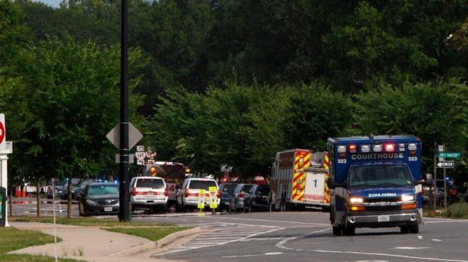 Nóng: Xả súng kinh hoàng ở Mỹ, ít nhất 17 người thương vong - Ảnh 3.