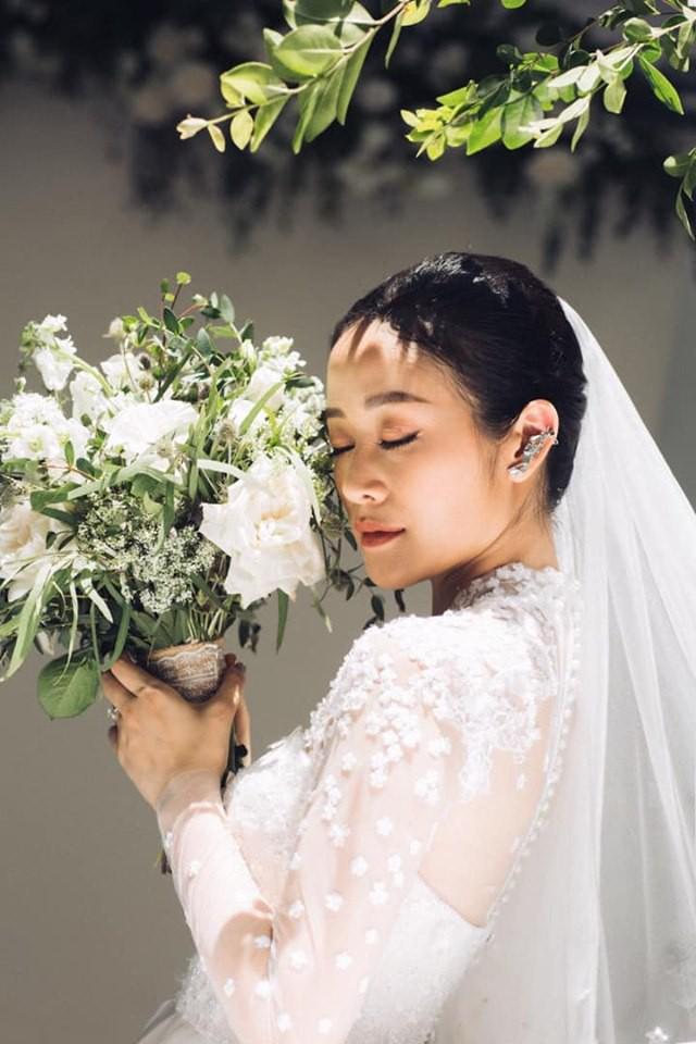 MC Phí Linh chính thức tung ảnh cưới, xác nhận chuyện lên xe hoa là thật nhưng nhất quyết không chịu lộ danh tính chú rể - Ảnh 2.