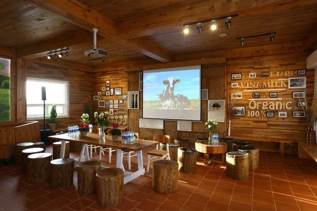 Cần 1 nơi để gia đình khám phá thiên nhiên: Hãy thử 1 ngày trải nghiệm ở trang trại bò sữa Vinamilk Organic Đà Lạt - Ảnh 2.