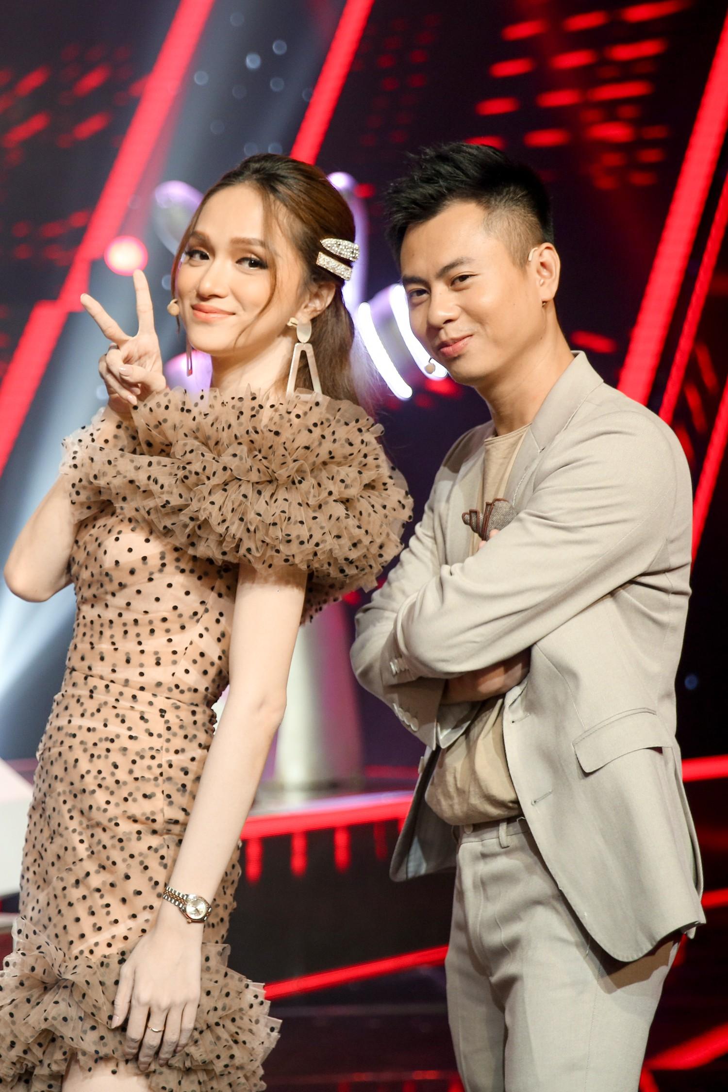 Vượt bão ồn ào ly hôn, Phạm Quỳnh Anh làm HLV The Voice Kids, ngồi ghế nóng cùng Dương Khắc Linh  - Ảnh 3.
