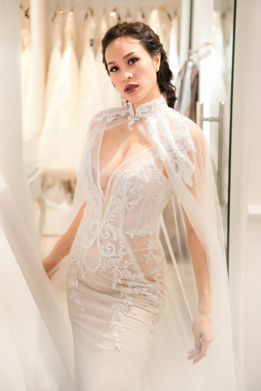 Chồng Tây gia thế khủng của Phương Mai diện áo phông giản dị, liên tục dành nhiều cử chỉ ngọt ngào cho vợ  - Ảnh 7.