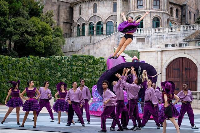Vũ hội Ánh Dương - ấn tượng trong từng bộ trang phục cầu kỳ - Ảnh 2.