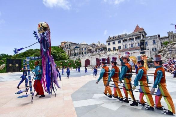 Vũ hội Ánh Dương - ấn tượng trong từng bộ trang phục cầu kỳ - Ảnh 5.