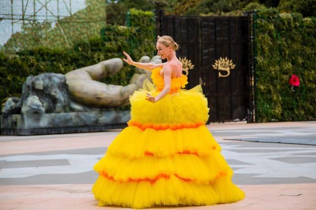 Vũ hội Ánh Dương - ấn tượng trong từng bộ trang phục cầu kỳ - Ảnh 9.