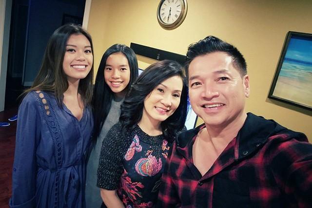 Hai con gái của Hồng Đào - Quang Minh càng lớn càng xinh đẹp, phổng phao.