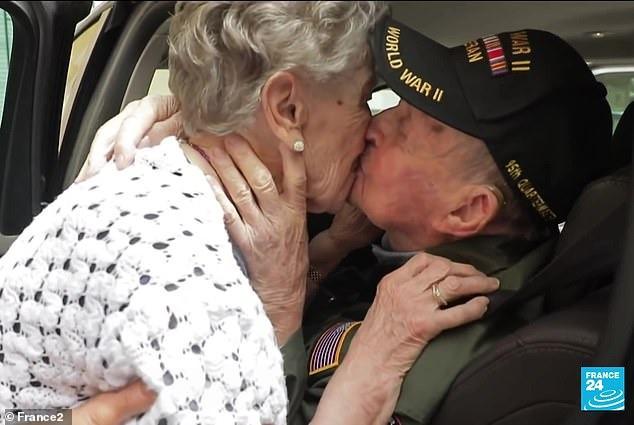 Màn tái ngộ lay động cả thế giới hôm nay: Tình yêu được viết tiếp sau 75 năm xa cách của chàng lính Mỹ và cô gái miền quê nước Pháp - Ảnh 5.