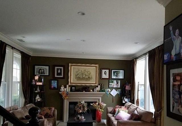 Bên trong ngôi biệt thự nội thất được bố trí ấm cúng.