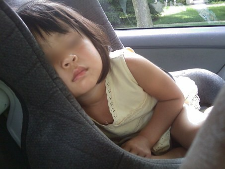 2yo-msian-girl-tragically-died-from-heat-after-mother-accidentally-left-her-in-locked-car-world-of-buzz-2