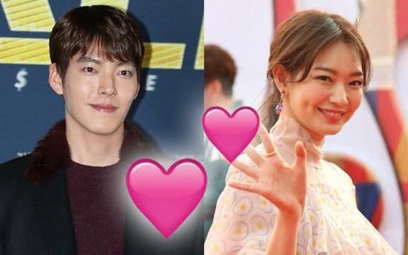 Hình ảnh ngọt ngào gây xúc động của mỹ nam mắc ung thư vòm họng Kim Woo Bin và bạn gái Shin Min Ah, vẫn nắm chặt tay sau nhiều biến cố