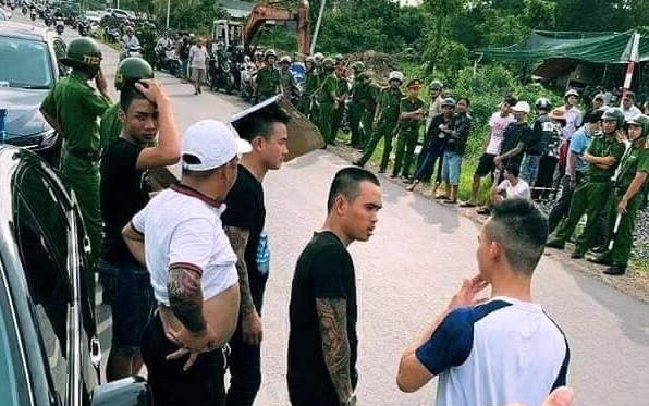 Bắt khẩn cấp đối tượng huy động giang hồ bao vây công an trong ô tô ở Đồng Nai