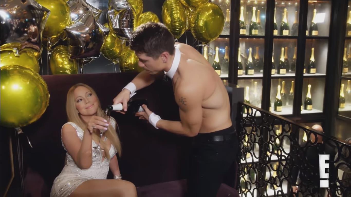Vụ ngoại tình cực shock của Mariah Carey với vũ công kém 12 tuổi: từng có loạt khoảnh khắc làm người xem đỏ mặt trong show thực tế riêng từ khi còn đính hôn chồng! - Ảnh 4.