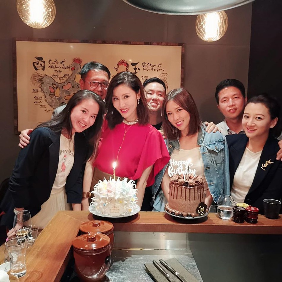 49 tuổi, Hoa hậu đẹp nhất Hong Kong Lý Gia Hân vẫn khiến mọi người ngưỡng mộ vì nhan sắc cực phẩm - Ảnh 2.