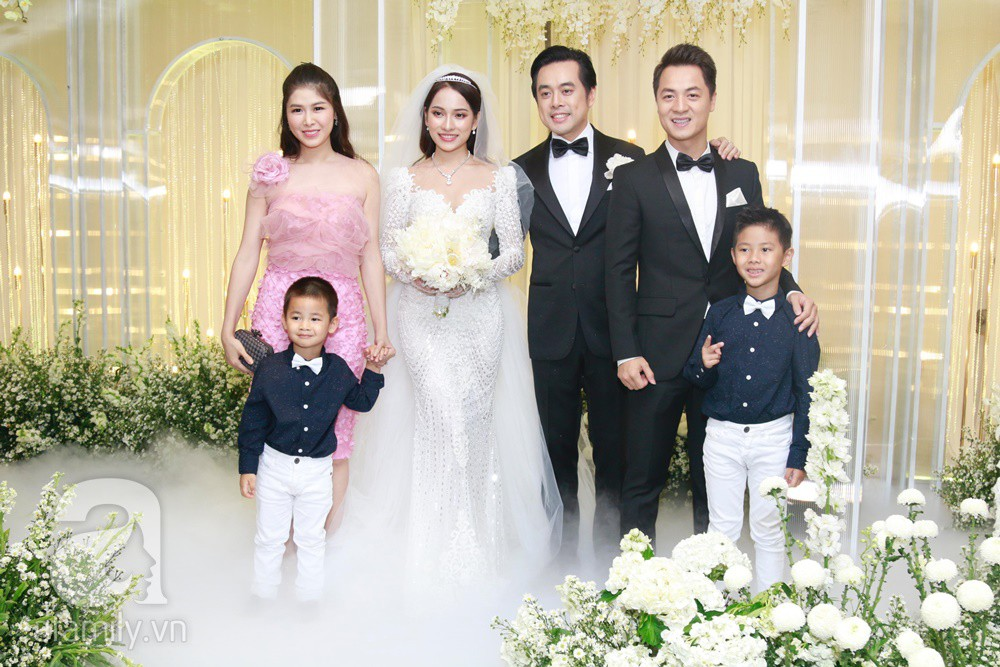 Vợ chồng Thu Minh, ca sĩ Noo Phước Thịnh, Lê Hiếu, Thu Thủy và dàn sao khủng showbiz tụ hội về đám cưới Dương Khắc Linh - Sara Lưu - Ảnh 16.