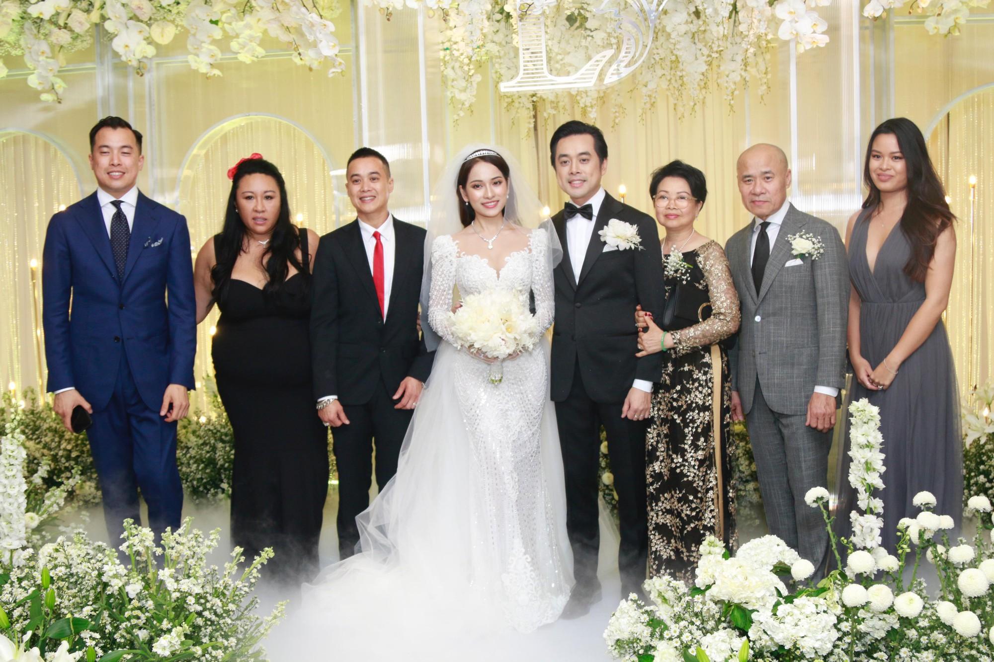 Vợ chồng Thu Minh, ca sĩ Noo Phước Thịnh, Lê Hiếu, Thu Thủy và dàn sao khủng showbiz tụ hội về đám cưới Dương Khắc Linh - Sara Lưu - Ảnh 7.