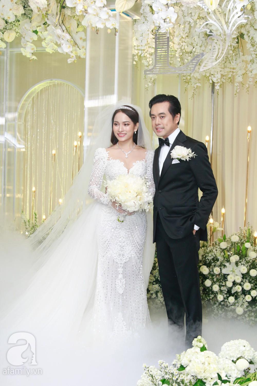 Vợ chồng Thu Minh, ca sĩ Noo Phước Thịnh, Lê Hiếu, Thu Thủy và dàn sao khủng showbiz tụ hội về đám cưới Dương Khắc Linh - Sara Lưu - Ảnh 8.