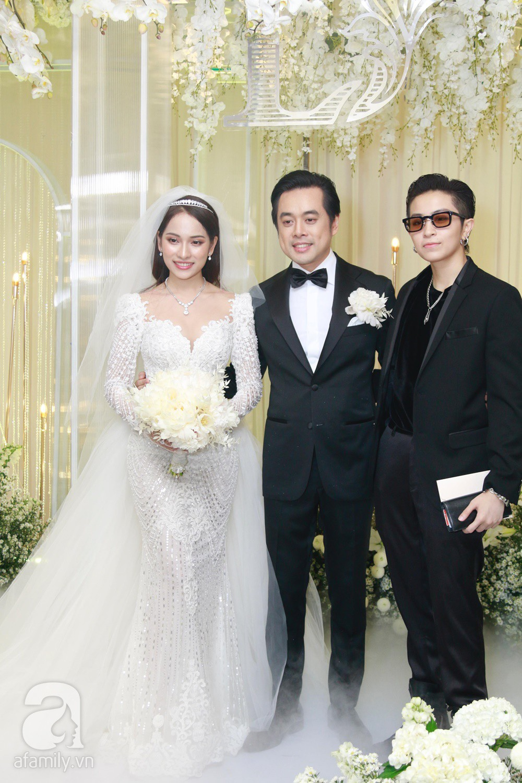 Vợ chồng Thu Minh, ca sĩ Noo Phước Thịnh, Lê Hiếu, Thu Thủy và dàn sao khủng showbiz tụ hội về đám cưới Dương Khắc Linh - Sara Lưu - Ảnh 9.