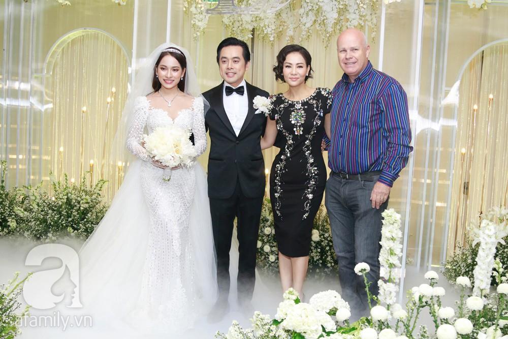 Vợ chồng Thu Minh, ca sĩ Noo Phước Thịnh, Lê Hiếu, Thu Thủy và dàn sao khủng showbiz tụ hội về đám cưới Dương Khắc Linh - Sara Lưu - Ảnh 11.