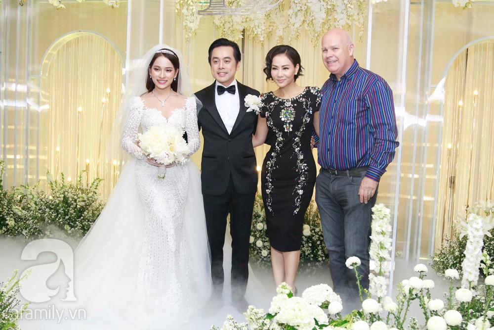 Vợ chồng Thu Minh, ca sĩ Noo Phước Thịnh, Lê Hiếu, Thu Thủy và dàn sao khủng showbiz tụ hội về đám cưới Dương Khắc Linh - Sara Lưu - Ảnh 14.