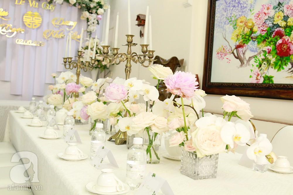 Trực tiếp đám cưới Dương Khắc Linh - Sara Lưu: Nhà cô dâu bày tiệc hoa giản dị, không phô trương - Ảnh 5.