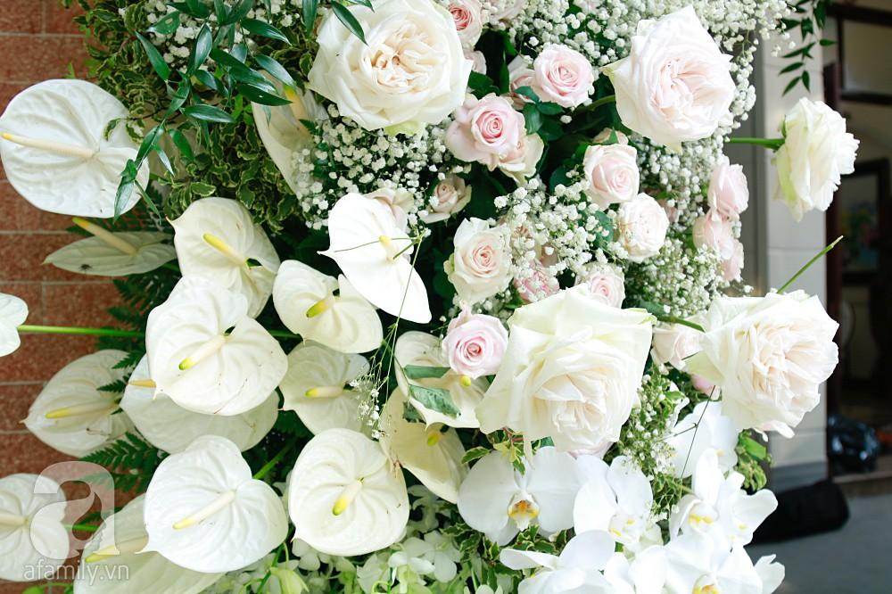 Trực tiếp đám cưới Dương Khắc Linh - Sara Lưu: Nhà cô dâu bày tiệc hoa giản dị, không phô trương - Ảnh 13.