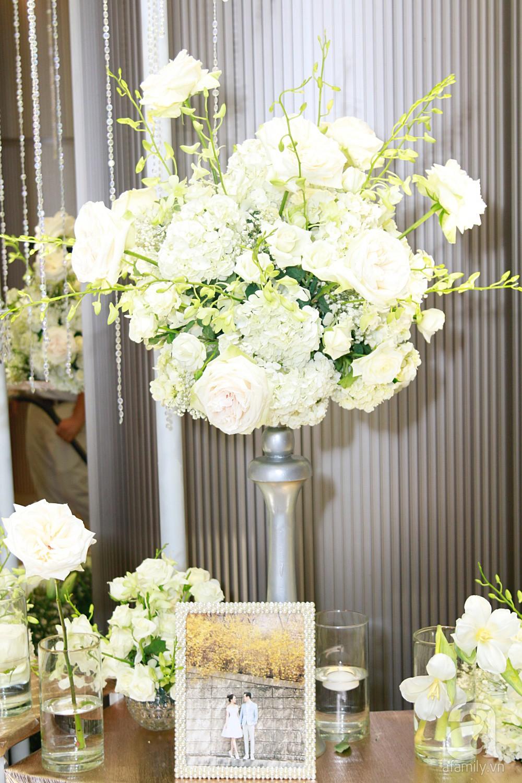 Cận cảnh không gian tiệc cưới xa hoa với thực đơn 5 sao đắt đỏ và hoa tươi tiền tỷ của Dương Khắc Linh - Sara Lưu - Ảnh 6.