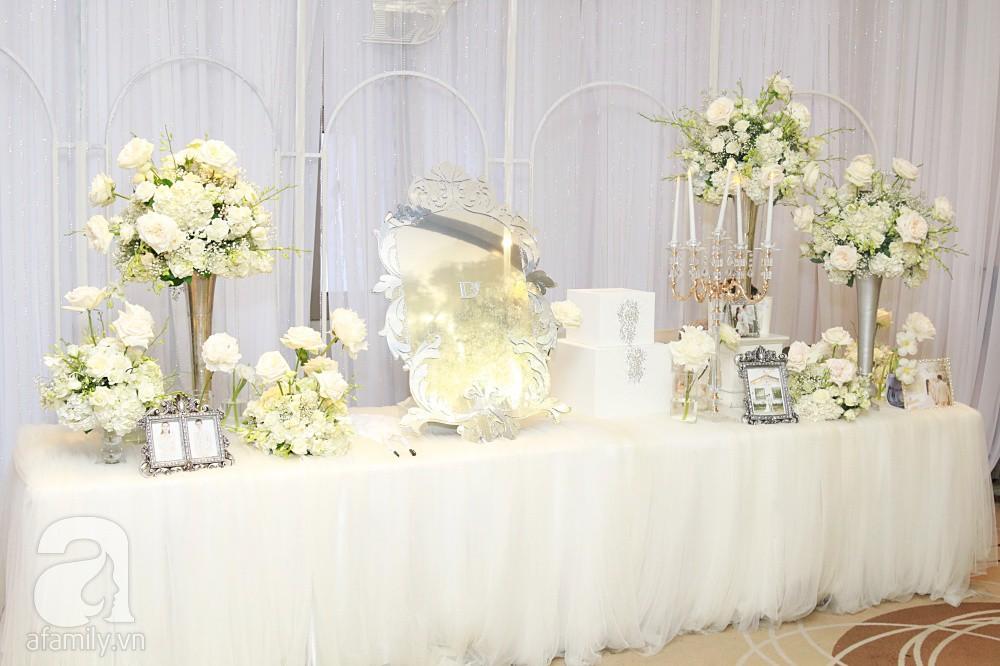 Cận cảnh không gian tiệc cưới xa hoa với thực đơn 5 sao đắt đỏ và hoa tươi tiền tỷ của Dương Khắc Linh - Sara Lưu - Ảnh 15.