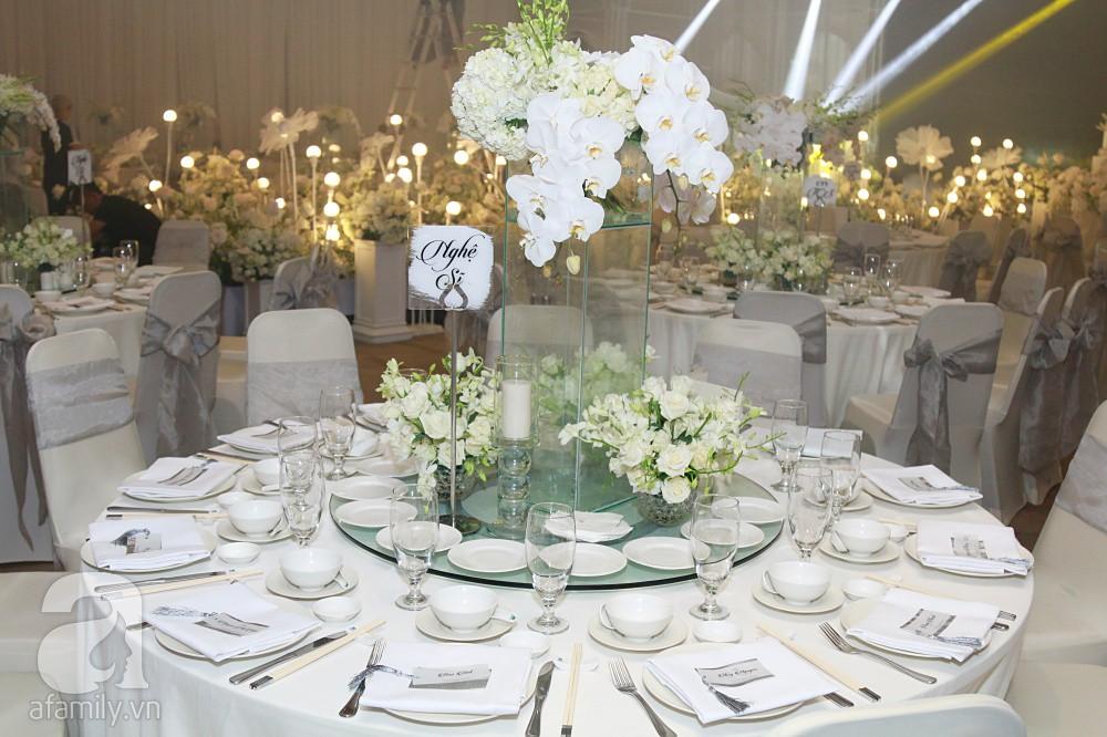 Cận cảnh không gian tiệc cưới xa hoa với thực đơn 5 sao đắt đỏ và hoa tươi tiền tỷ của Dương Khắc Linh - Sara Lưu - Ảnh 16.