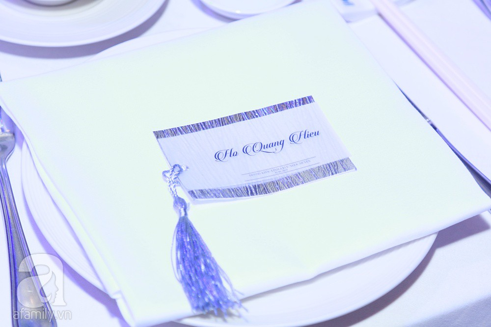 Cận cảnh không gian tiệc cưới xa hoa với thực đơn 5 sao đắt đỏ và hoa tươi tiền tỷ của Dương Khắc Linh - Sara Lưu - Ảnh 23.
