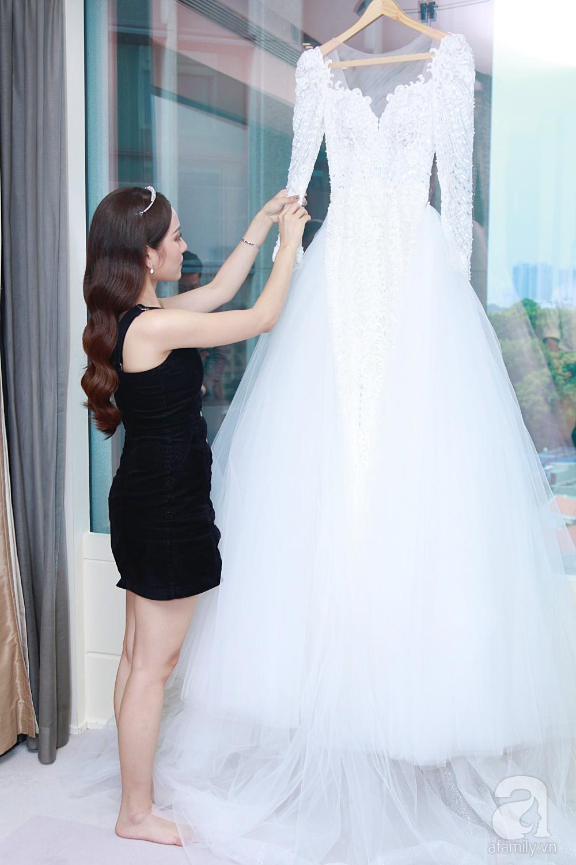 Độc quyền: Sara Lưu âu yếm Dương Khắc Linh trong phòng cưới trước giờ G  - Ảnh 2.