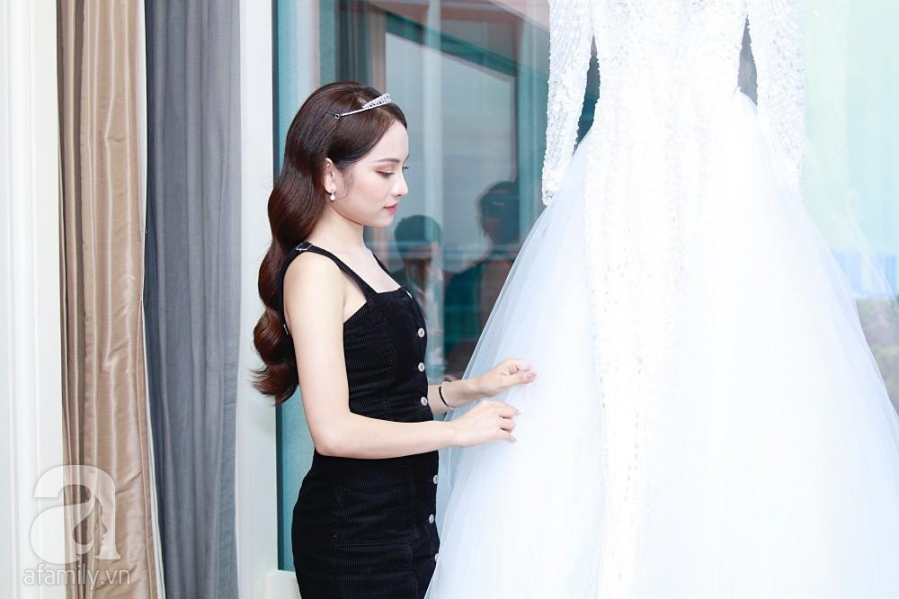 Độc quyền: Sara Lưu âu yếm Dương Khắc Linh trong phòng cưới trước giờ G  - Ảnh 3.
