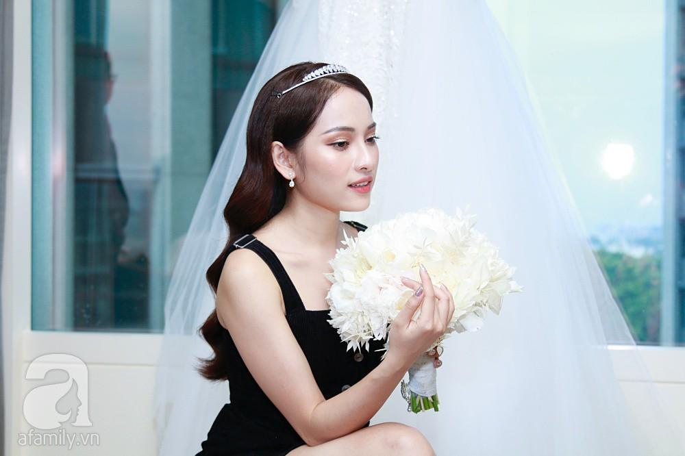 Độc quyền: Sara Lưu âu yếm Dương Khắc Linh trong phòng cưới trước giờ G  - Ảnh 11.