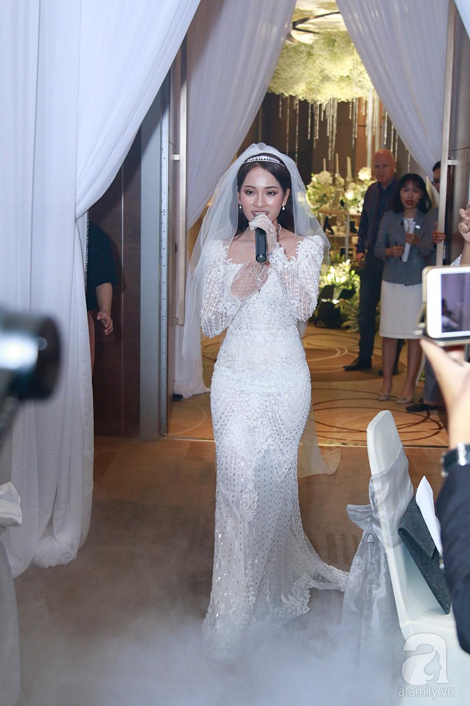 Chú rể Dương Khắc Linh suýt nhầm Hoàng Yến Chibi và Liz Kim Cương là vợ mình  - Ảnh 6.