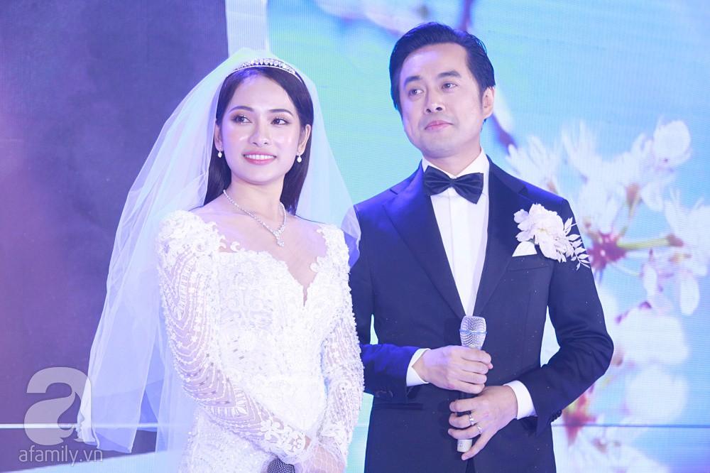 Chú rể Dương Khắc Linh suýt nhầm Hoàng Yến Chibi và Liz Kim Cương là vợ mình  - Ảnh 1.