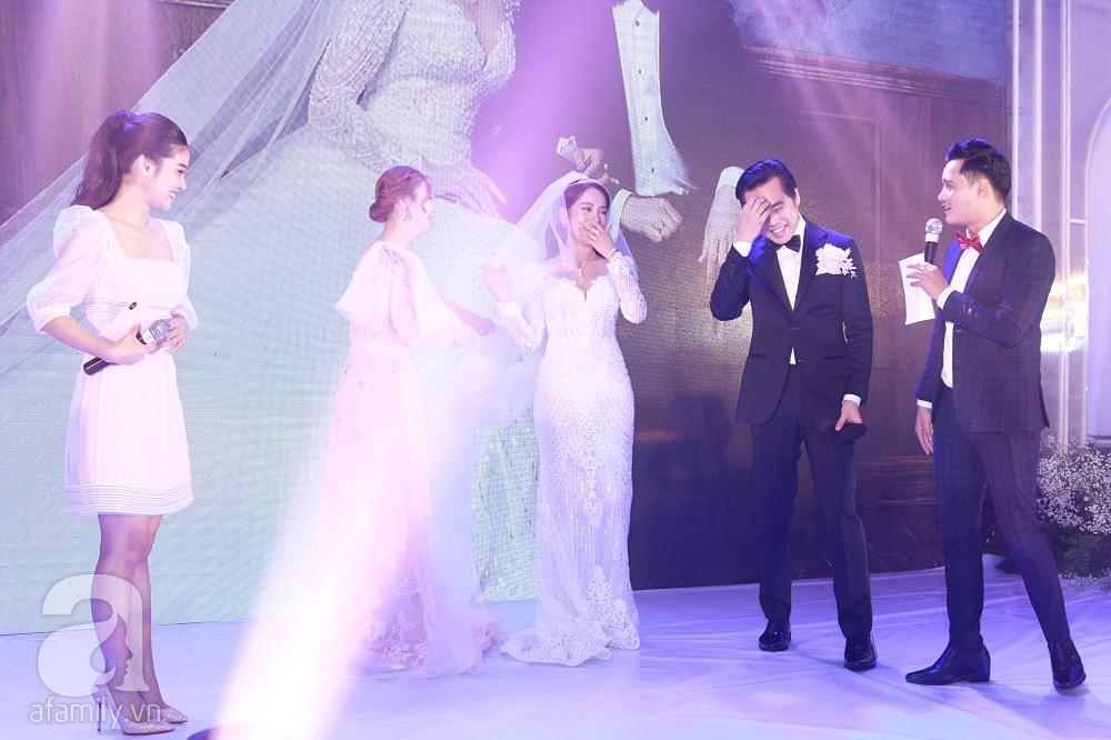 Chú rể Dương Khắc Linh suýt nhầm Hoàng Yến Chibi và Liz Kim Cương là vợ mình  - Ảnh 13.