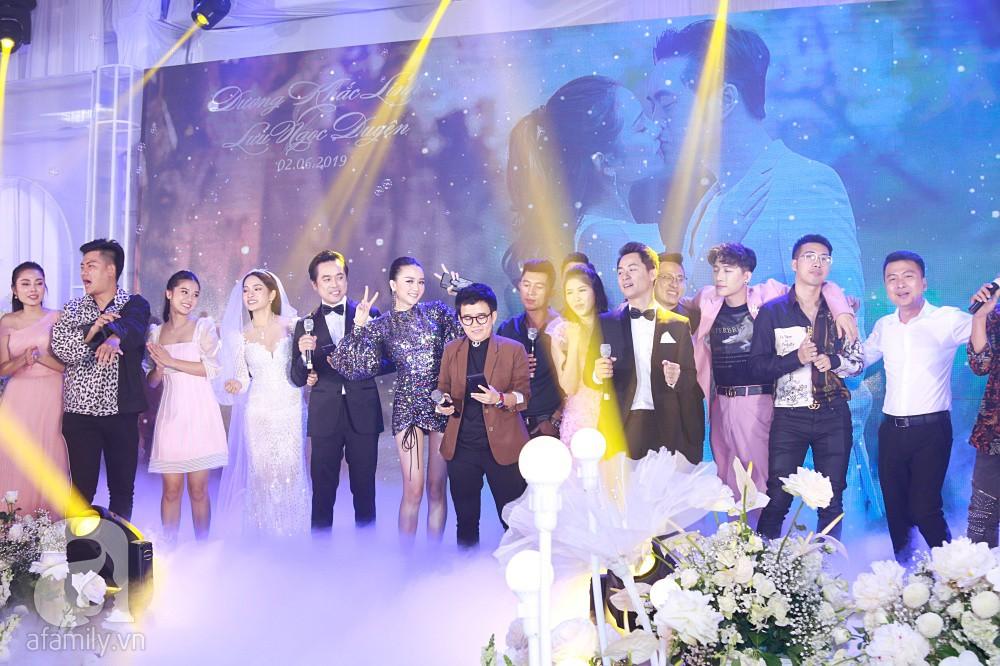 Chú rể Dương Khắc Linh suýt nhầm Hoàng Yến Chibi và Liz Kim Cương là vợ mình  - Ảnh 15.