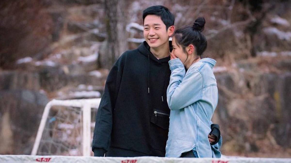 """Jung Hae In từ Chị Đẹp đến Đêm Xuân: Chàng """"phi công trẻ"""" đáng trân trọng hay kẻ thứ ba phá hoại tình yêu? - Ảnh 5."""