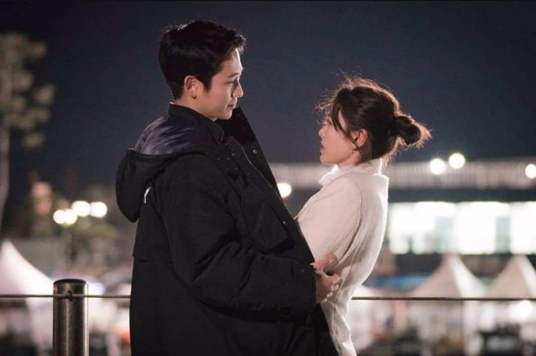"""Jung Hae In từ Chị Đẹp đến Đêm Xuân: Chàng """"phi công trẻ"""" đáng trân trọng hay kẻ thứ ba phá hoại tình yêu? - Ảnh 7."""