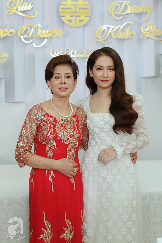 Đám cưới Dương Khắc Linh - Sara Lưu: Những hình ảnh đầu tiên của cô dâu trước giờ vu quy - Ảnh 1.