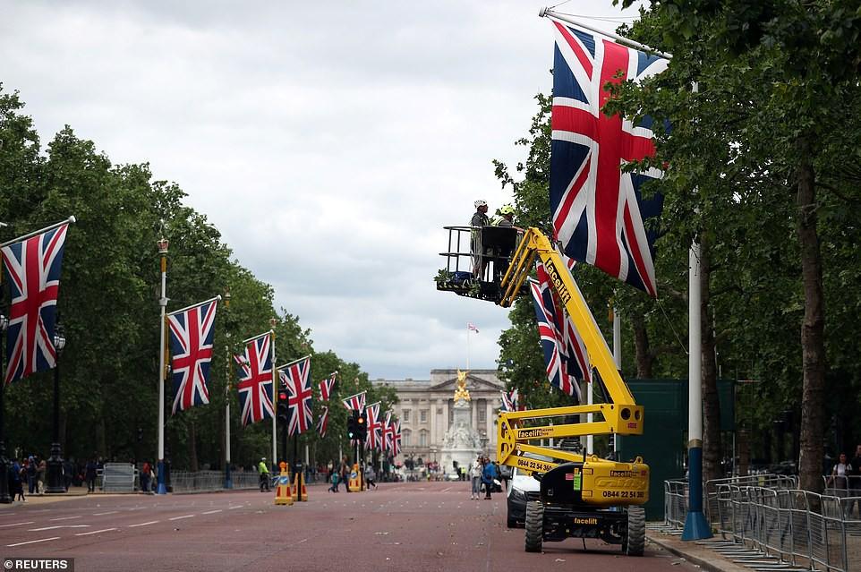Hé lộ bất ngờ về bữa tiệc Hoàng gia Anh tiếp đãi Tổng thống Trump: Mất tới 6 tháng chuẩn bị, không được sai sót dù chỉ một chiếc ly - Ảnh 3.