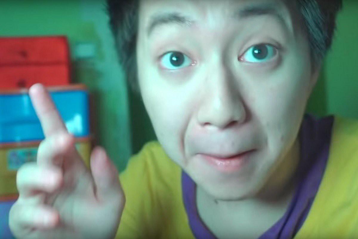 Phết kem đánh răng lên bánh Oreo rồi cho người vô gia cư, Youtuber với 1,2 triệu người theo dõi phải nhận về cái kết đắng - Ảnh 1.