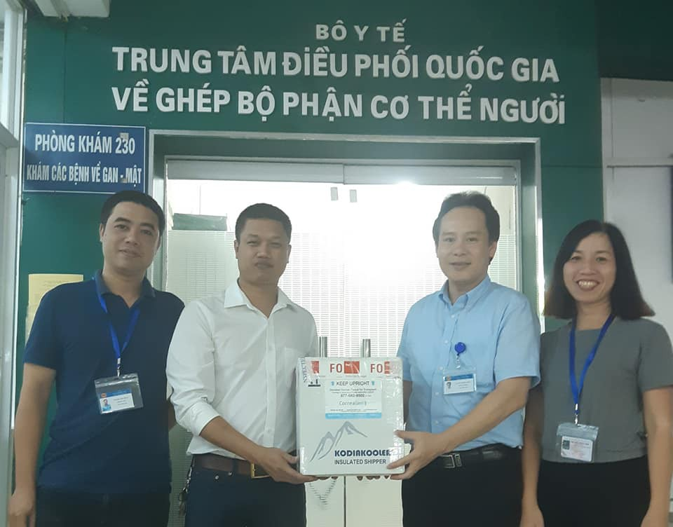 10 giác mạc vượt nửa vòng Trái Đất từ Mỹ sắp được ghép cho bệnh nhân Việt Nam - Ảnh 2.